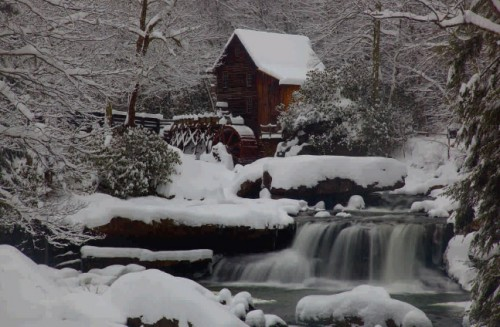West Virginia Gristmill Waterfall Winter Snow by Forest Wander (Flickr, CC Licence)